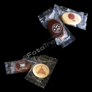 Słodycze reklamowe z nadrukiem w marketingu firm kurierskich